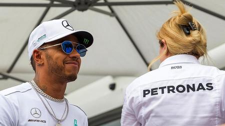 """[2017 F1] 해밀턴, 올해 은퇴할 수 있다는 발언 """"기억 안나"""""""