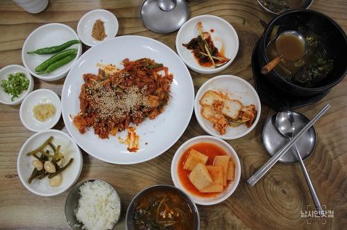 업그레이드된 안동맛집 신시장 모퉁이식당