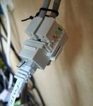 인터넷 공유기 간 유선 연결 - 벽체 매립선 이용