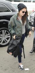 크리스틴 스튜어트(Kristen Stewart) At Sydney International Airport in Sydney