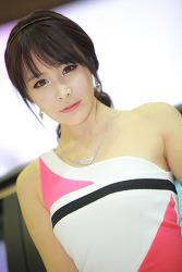 2013 서울모터쇼 도요타 부스의 김지민 님
