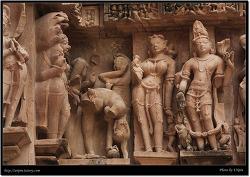 에로틱 조각상 (Khajuraho, India)