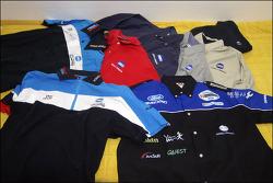 minolta clothes