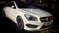 거리에서 만난 신상 2017 Benz CLA 45 AMG 4MATIC 빤쮸~ 를 보다.