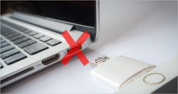 [루머] 차세대 맥북프로, 에어는 USB-C 단자만 달고 나온다