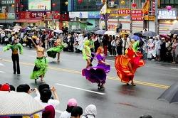 서울거리예술축제가 좋아지고 있으나 미숙한 운영은 여전히 문제