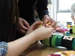 반포1동 양말인형 만들기, 바느질과 나눔의 즐거움을 동시에!