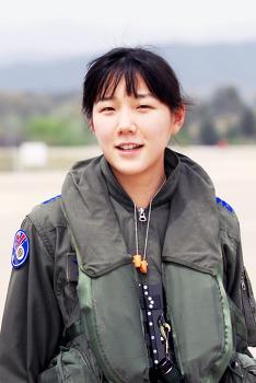 ROKAF - 한가인 닮은 여군조종사가 있다?! 대한민국 0.01% 그녀!