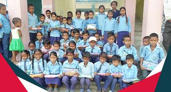 네팔에 전해진 따뜻한 마음, 핸즈온 물품 기증식
