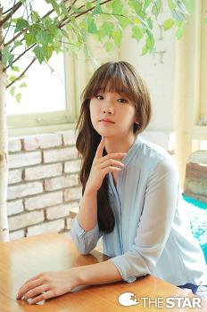 쌍커풀 없는 눈이 매력적인 배우 박소담