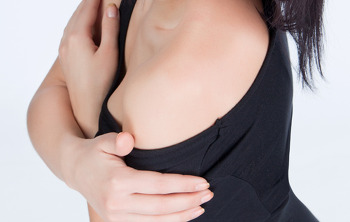 가슴성형 부작용은 무엇이