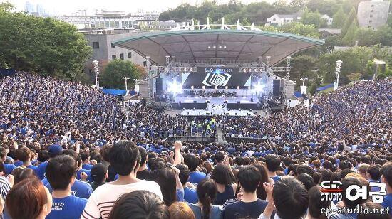 [4K](모두 말춤을!!!)[17.05.20] PSY(싸이) GANGNAM STYLE(강남스타일) 직캠 at 연세대 아카라카 축제 BY 여금