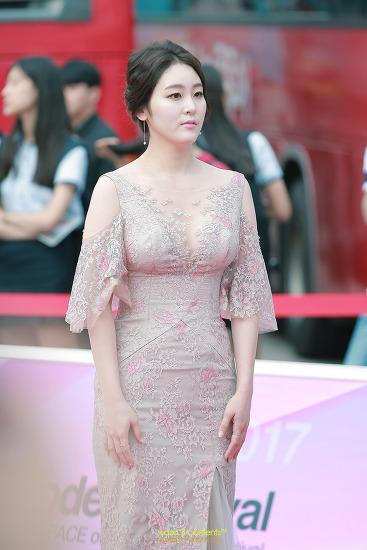 골반왕 신아영 아나운서 제12회 아시아모델페스티벌 맥심어워즈 레드카펫