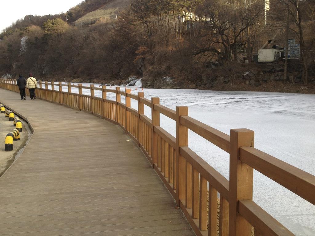 대전 뿌리공원 주차장 사진 #2
