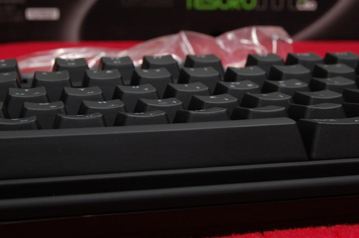 기계식키보드인 제닉스 TESORO M7 LED 테소로, 제닉스, 기계식키보드, 기계식키보드 추천, 기계식 키보드 추천, 추천, 리뷰, 사용기, IT, 얼리어답터, 흑축, 리니어, 클릭, 넌클릭, 갈축, 청축, TESORO M7 LED, TESORO, TESORO M7, 테소로, 사진, review