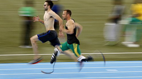 Oscar Pistorius in addition 21457651 together with Blade Runner Sprinter Legs Wins Right  pete Olympics additionally Blad Runner Oscar Pistorius Got Special Treatment Prison Inmate N412191 furthermore Oscar Pistorius Sentencing Prison Bosses 4467054. on oscar pistorious video
