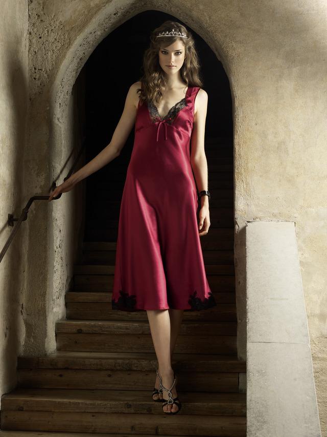 Julia Sanar - Beldona lingerie Xmas 2010