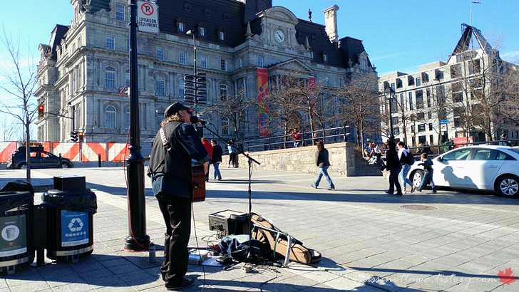 몬트리올 시청 광장입니다