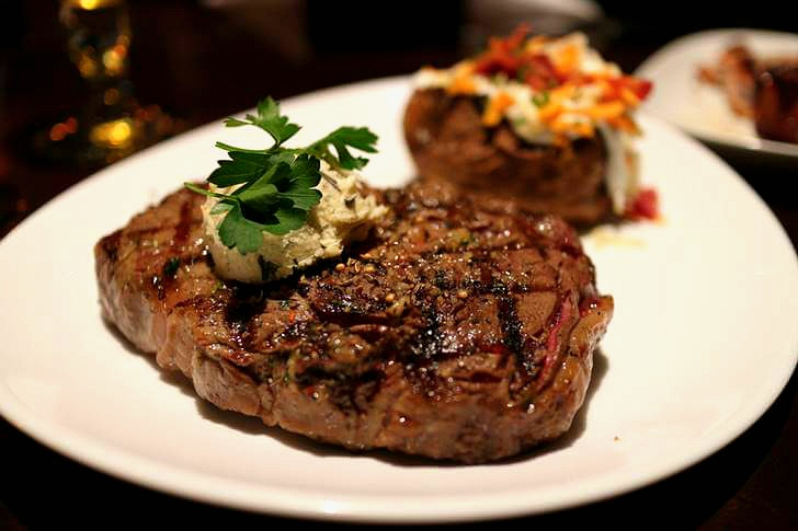 앨버타 주는 쇠고기가 유명합니다
