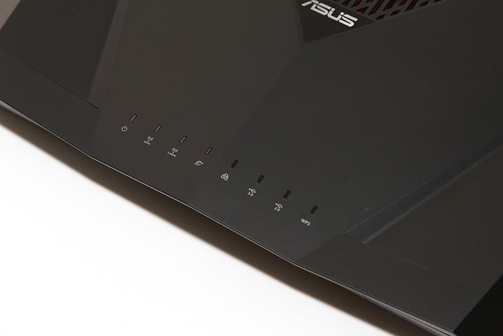 ASUS ,RT-AC88U ,기가인터넷, 속도, 세부 ,내용 ,살펴보기,IT,IT 제품리뷰,가장 기능이 많은 유무선공유기를 하나 소개 합니다. 끝판왕이라고 불리는 제품인데 뭐가다를까요? ASUS RT-AC88U 기가인터넷 속도 및 세부 내용 살펴보기를 해보려고 합니다. 가격만큼이나 상당히 많은 기능들을 가지고 있는 공유기 였는데요. 물론 일반적으로 사용할 때에는 그냥 선만 연결해서 사용하면 됩니다. 근데 고급사용자를 위한 옵션도 있는데요. ASUS RT-AC88U는 세세한 옵션을 조정하거나 기능을 활성화 하여 복잡한 기능을 구현할수 있습니다.