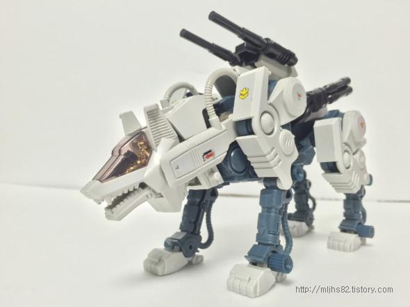 RHI-03 커맨드울프(COMMANDWOLF)