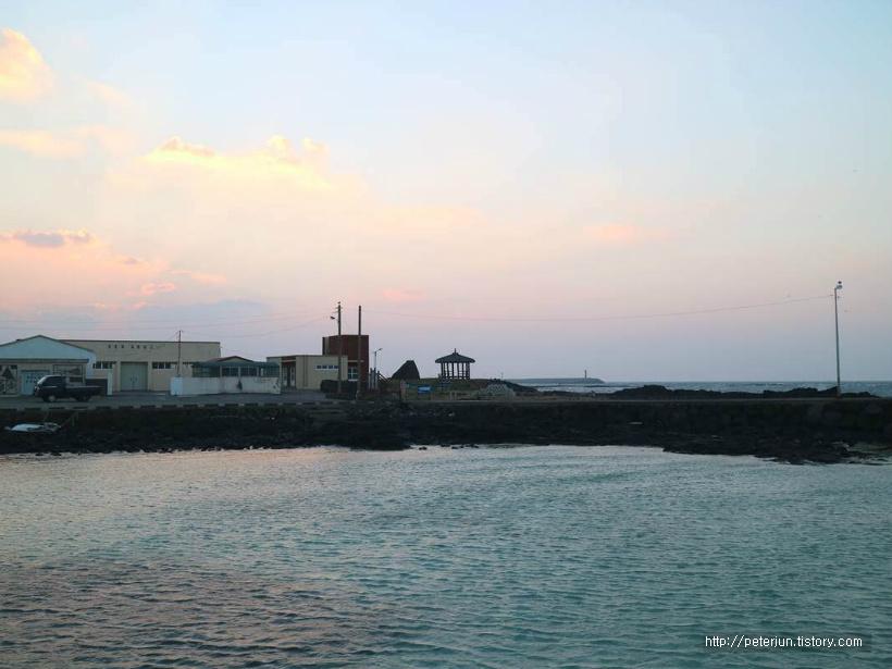 바닷가 마을