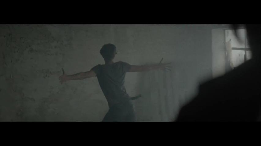 댄스음악의 악령을 퇴치하라! Rock 전문 채널, 브라질 KISS FM 라디오방송국의 엑소시스트 패러디 광고 '엔돌시즘(Endorcism)' - 락이 네 육신을 떠나도록 버려두지 말지어다(Don't Let Rock Leave Your Body) [한글자막]