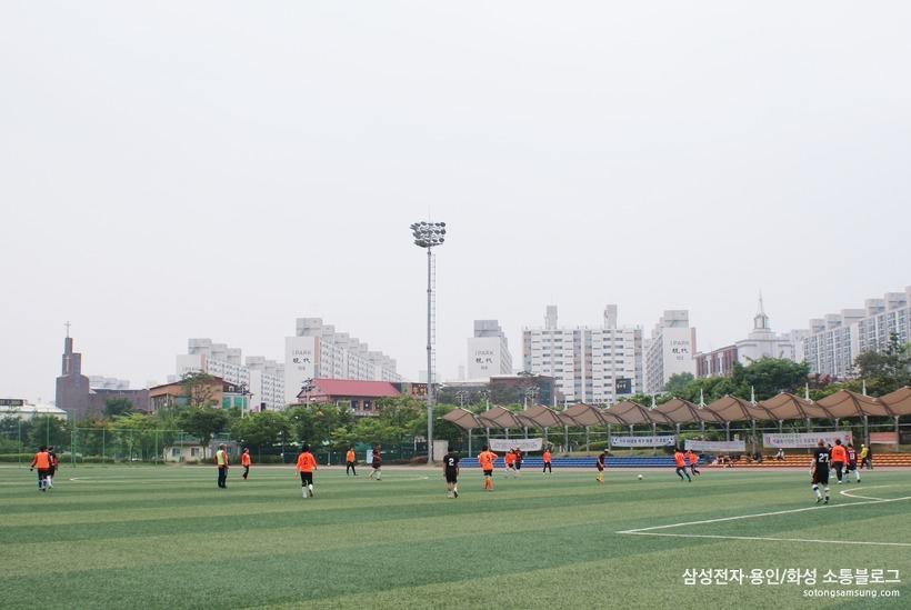줌마렐라 축구단 경기 장면