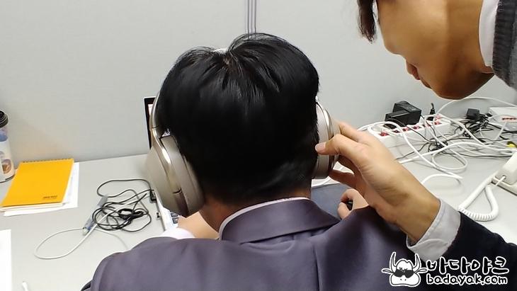소니 블루투수 헤드폰 WH-1000X와 WH-1000XM2 차이점