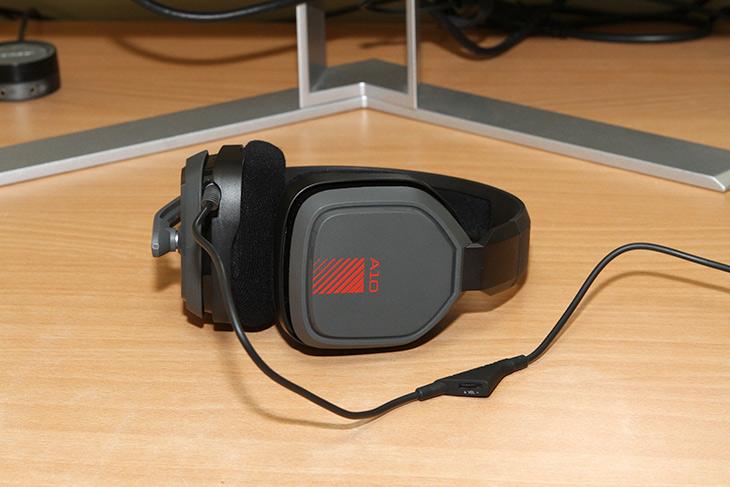 ASTRO ,GAMING ,A10 ,HEADSET ,아스트로 ,게이밍 헤드셋,IT,IT 제품리뷰,배틀그라운드 게임을 하면서 안쓸 수 없는 제품 이네요. ASTRO GAMING A10 HEADSET 아스트로 게이밍 헤드셋을 써 봤는데요. 게임을 할 때 미묘하고 작은 소리들과 방향을 찾아서 들을 수 있었습니다. ASTRO GAMING A10 HEADSET 아스트로 게이밍 헤드셋은 미국에 본사를 둔 게이밍 헤드셋 전문 브랜드의 제품인데요. 성능과 착용감이 상당히 훌륭하다고 알려져있고 방송 스트리머들과 콘솔 PC 게이머들이 많이 쓰는것으로 알려진 브랜드의 제품 입니다. 여러가지 제품이 있지만 이번에는 이제품을 소개해볼께요.