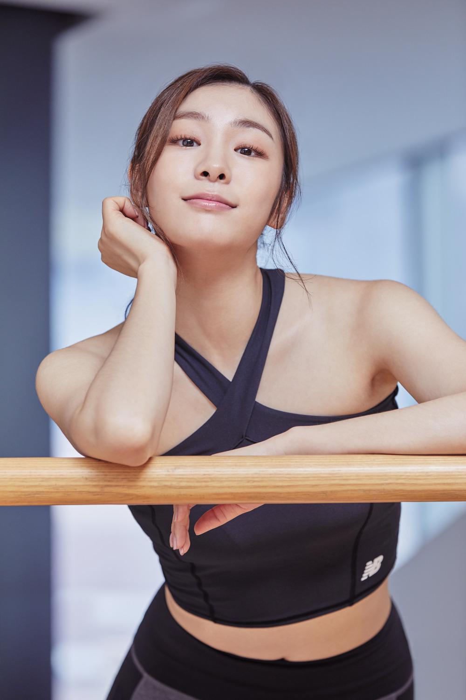 newBalance 2018ss Yuna Kim_02_연아 글램 크롭탑