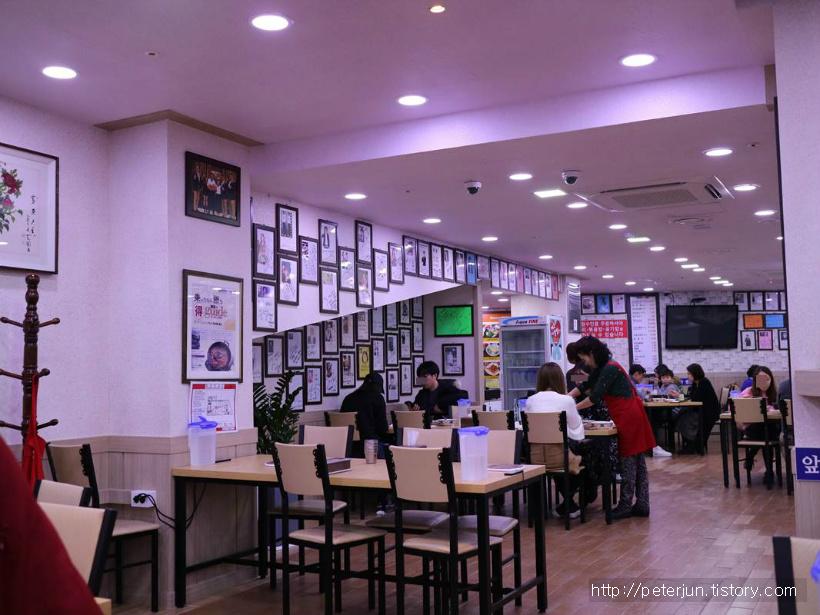 맛집 연예인 싸인들
