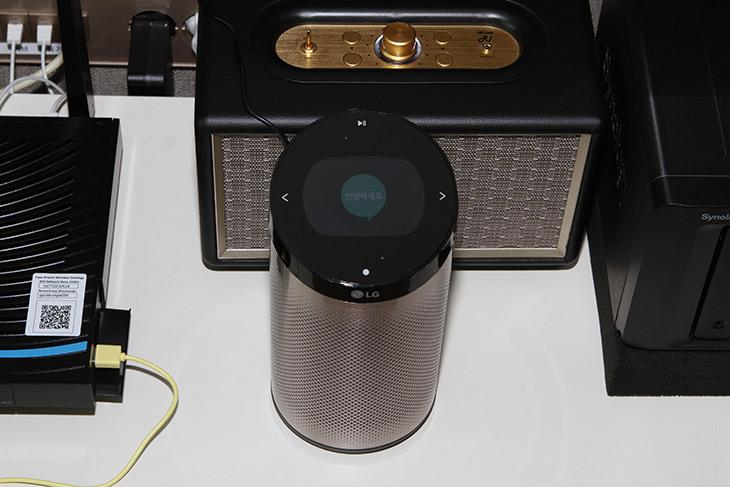스마트씽큐 허브 2.0 ,LG전자 ,인공지능 스피커, 설치 , 음성명령,스마트홈 ,LG 스마트홈 ,LG IOT 디바이스 ,LG 사물인터넷,LG 스마트씽큐 허브 ,LG AI 스피커 ,LG 인공지능 스피커,IT,IT 제품리뷰,실제로 사용해보니 그전보다 더 쓰기 편해졌네요. 이제는 목소리로 합니다. 스마트씽큐 허브 2.0 LG전자 인공지능 스피커 설치 및 음성명령을 해 봤는데요. 이 장치는 많은 장치들을 하나로 묶어줍니다. 스마트씽큐 허브 2.0은 스마트싱큐가 되는 기기들을 연결하고 센서를 이용해서 다양한 활용을 가능하게 합니다. 인공지능 스피커 음성명령도 추가되어 이제는 거실에 당당하게 자리를 하면서 좀 더 편리하게 명령을 수행할 수 있게 되었습니다. 점점 더 쓸모가 많아지고 있는 제품이었는데요.