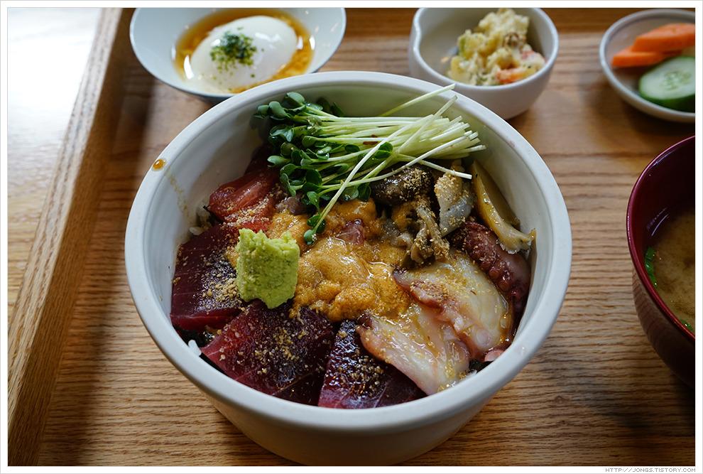 2017년 1월 제주도 겨울여행-모리노아루요 카이센동(해산물덮밥)과 카라아게(닭튀김) (JTBC 효리네 민박2에 나옴)