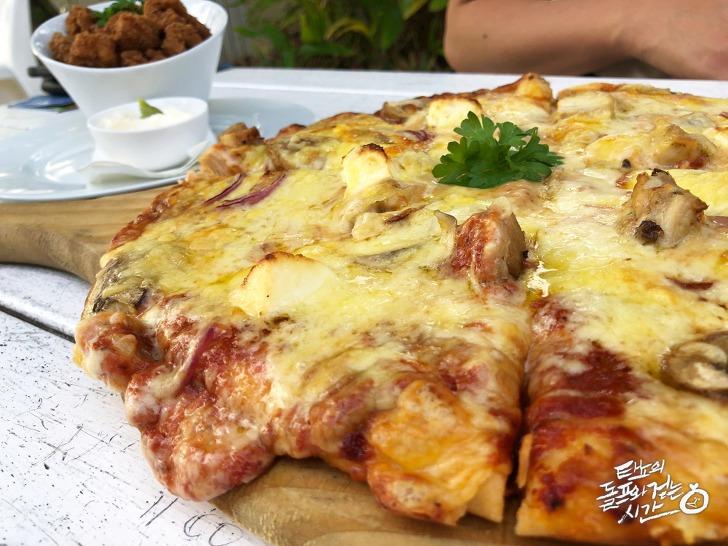 Crown Delight Pizzas
