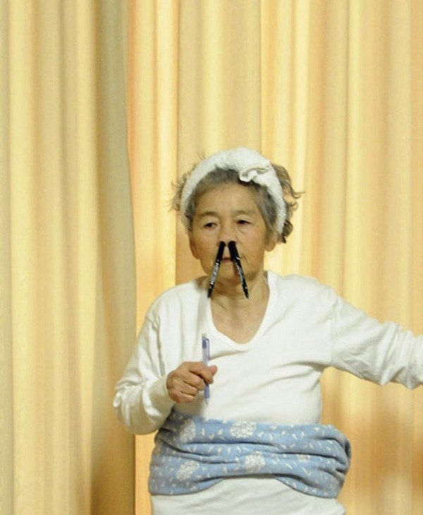 일본의 엽기 사진 전문 할머니8