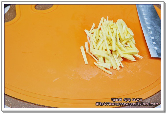 시원한 맛이 일품인 백김치